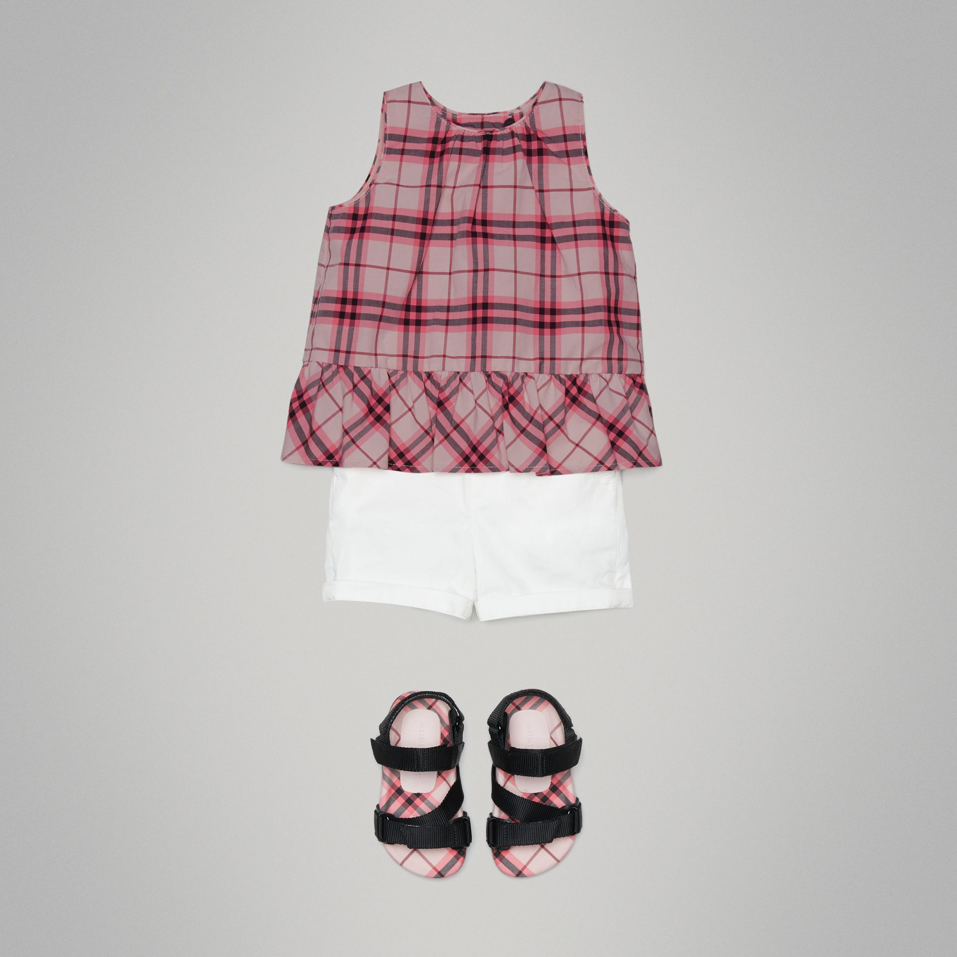 Haut en coton à motif check avec volants (Rose Vif) - Enfant | Burberry Canada - photo de la galerie 1