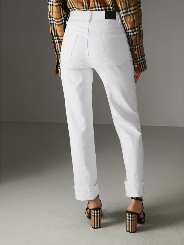 Jean de coupe droite en denim ultra-stretch (Blanc) - Femme | Burberry - cell image 2