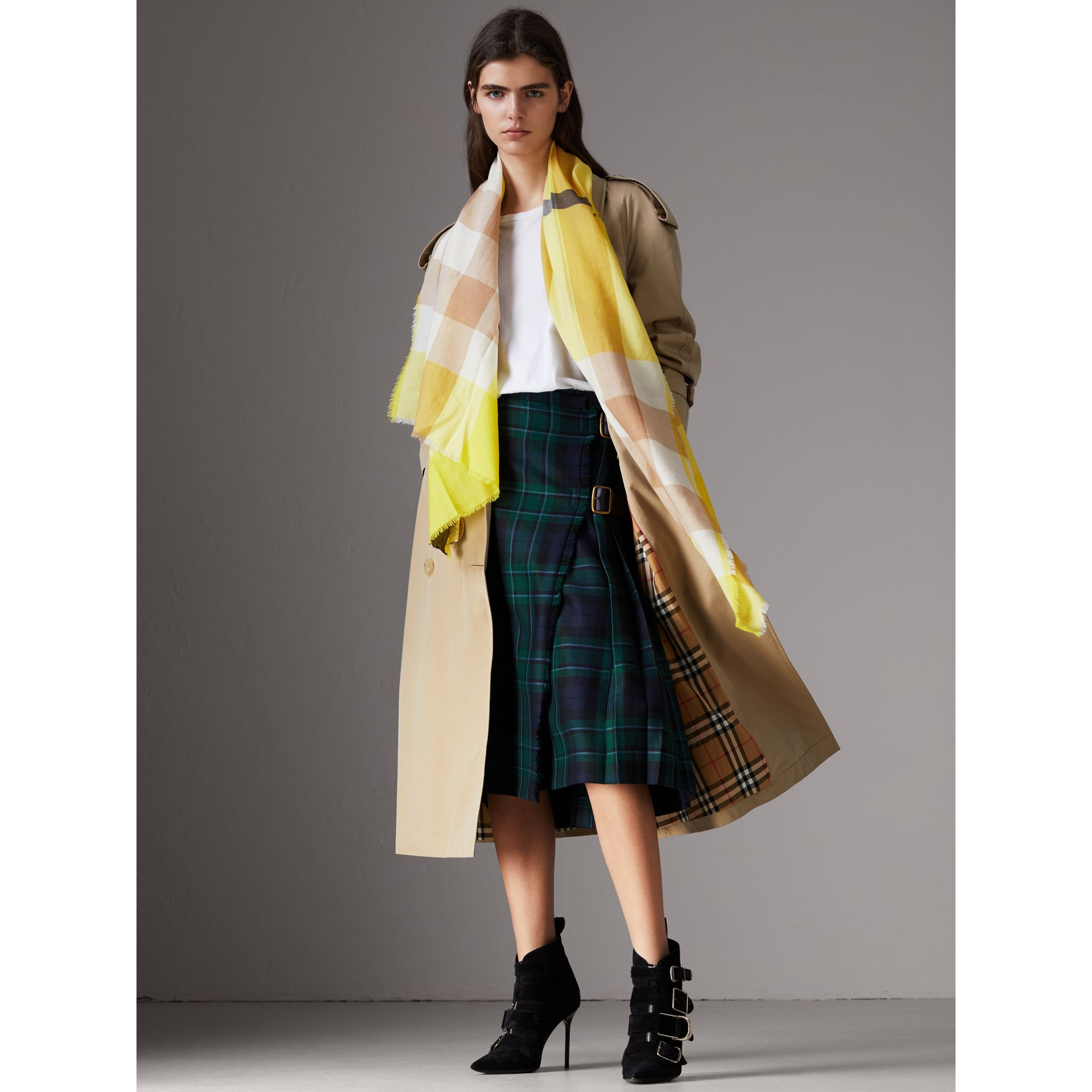 The Lightweight Check Cashmere Scarf in Bright Lemon | Burberry - gallery image 2