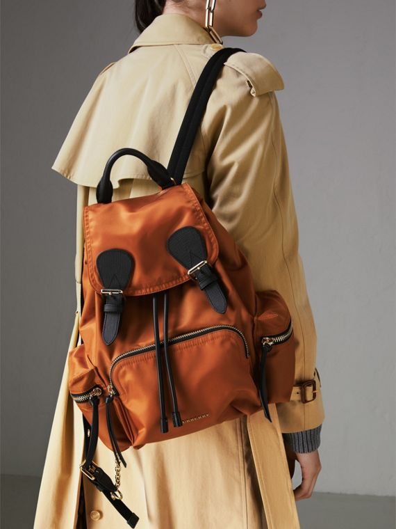 Zaino The Rucksack medio in nylon tecnico e pelle (Clementina) - Donna | Burberry - cell image 3