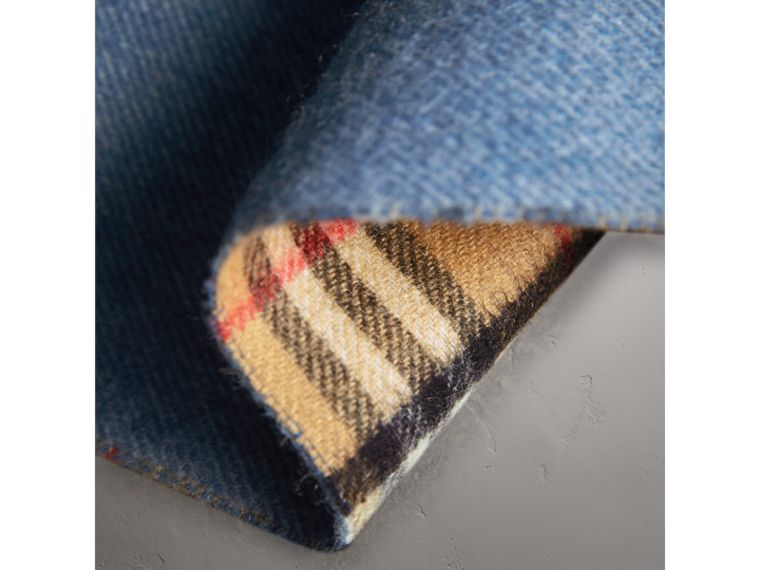 Long Reversible Vintage Check Double-faced Cashmere Scarf in Stone Blue | Burberry Australia - cell image 4