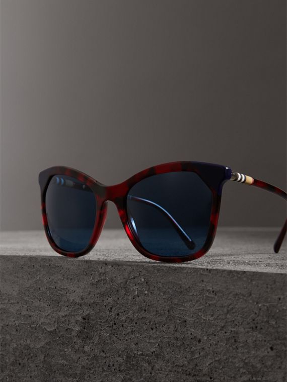 Tortoiseshell Square Frame Sunglasses in Red - Women | Burberry United Kingdom - cell image 3
