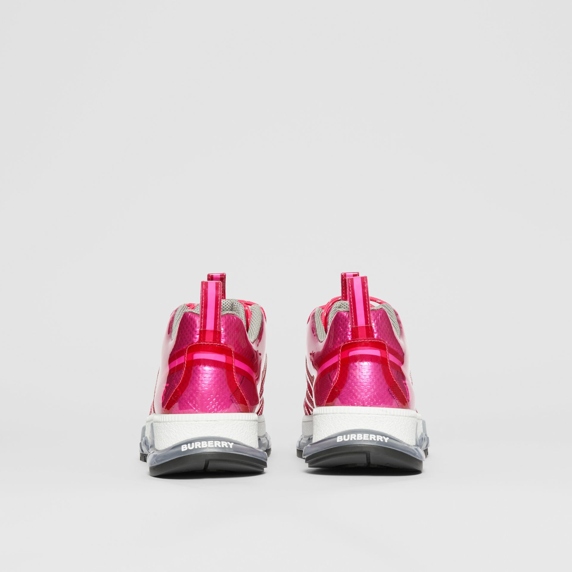 Sneakers Union en vinyle et nylon (Fuchsia) - Homme | Burberry - photo de la galerie 3