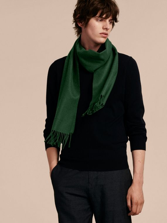 The Classic Cashmere Scarf in Dark Forest Green - cell image 3