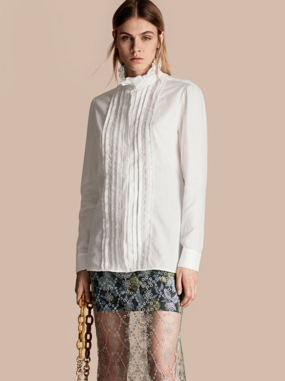 Camisa en tul de algodón con cuello escarolado