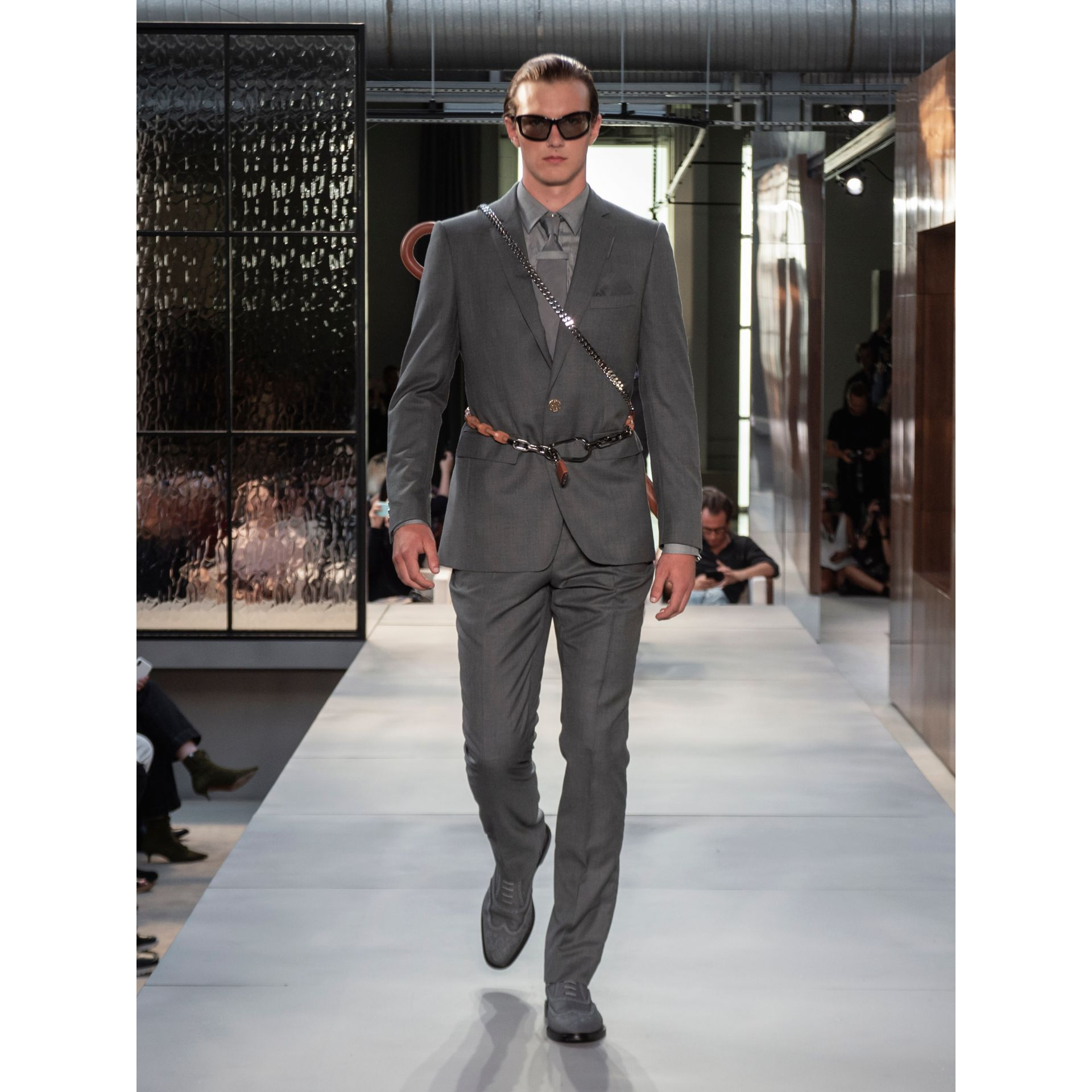 Classic Cut Silk Tie in Light Grey | Burberry - gallery image 5