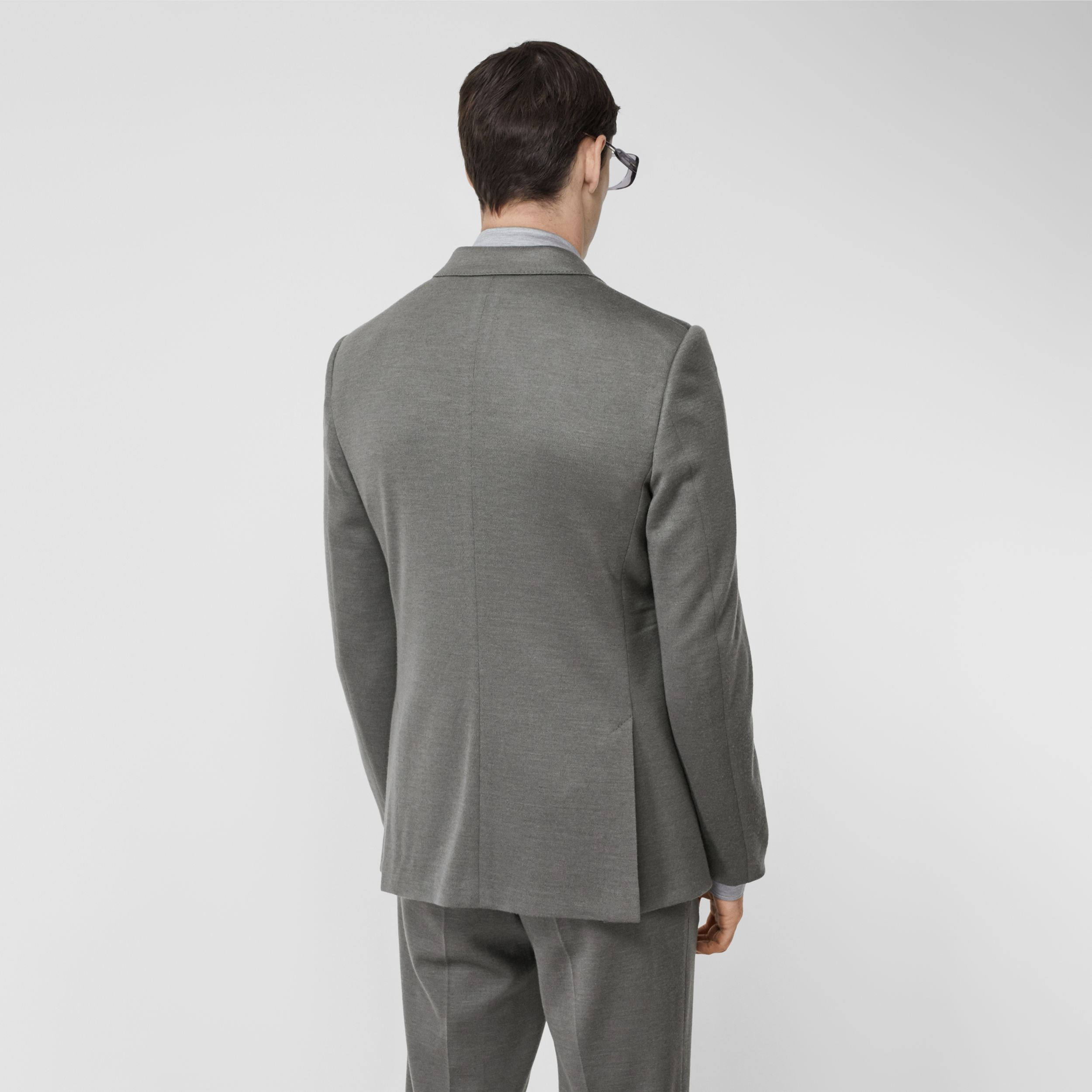 English Fit Cashmere Silk Jersey Tailored Jacket in Cloud Grey - Men | Burberry - 3