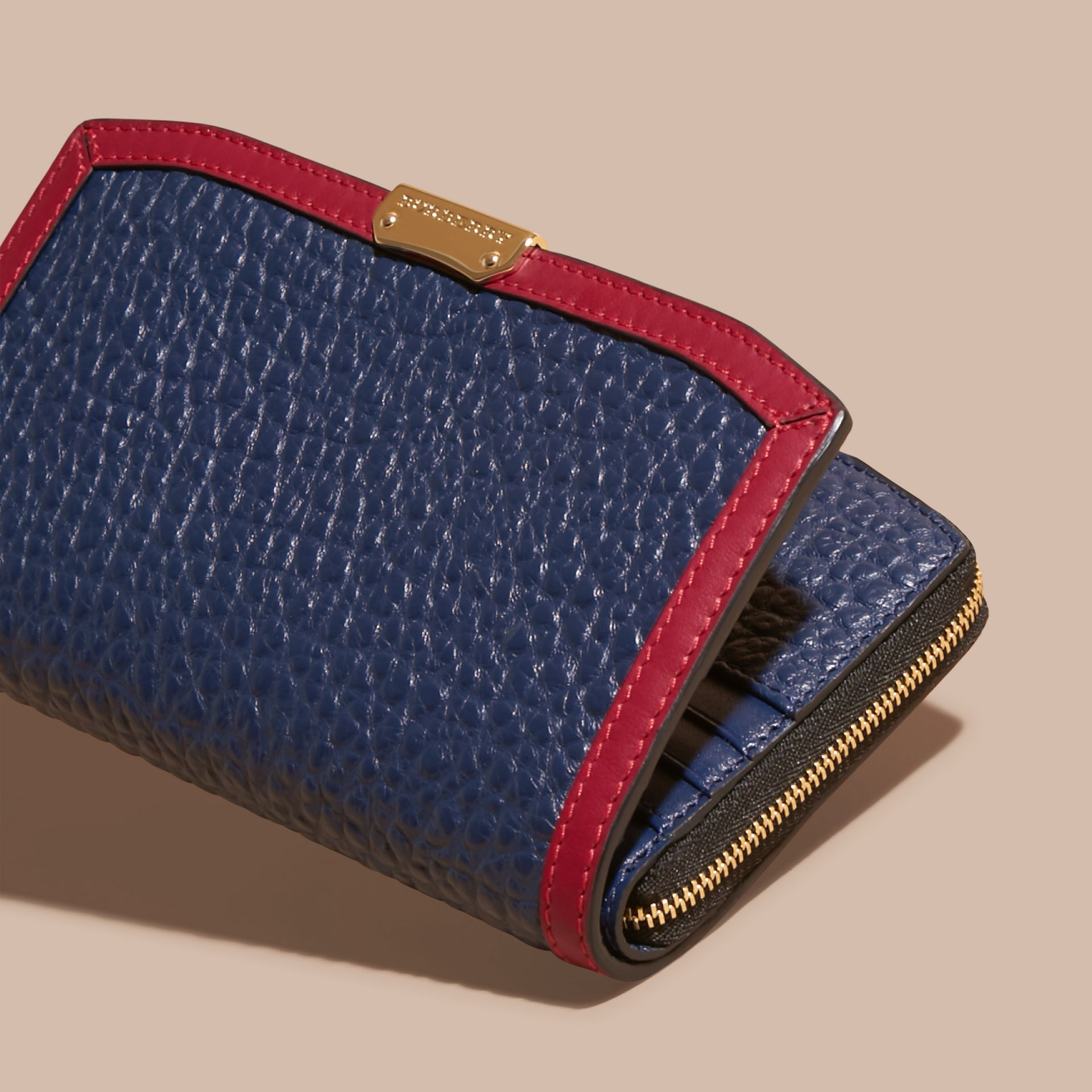 Blue carbon/parade red Border Detail Signature Grain Leather Ziparound Wallet - gallery image 3