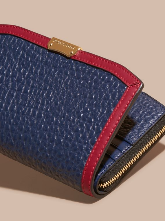 Blue carbon/parade red Border Detail Signature Grain Leather Ziparound Wallet - cell image 2