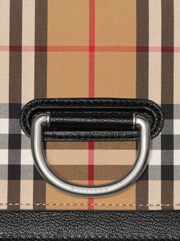 Petit sac The D-ring en cuir et à motif Vintage check (Noir/jaune Antique) - Femme | Burberry Canada - cell image 1