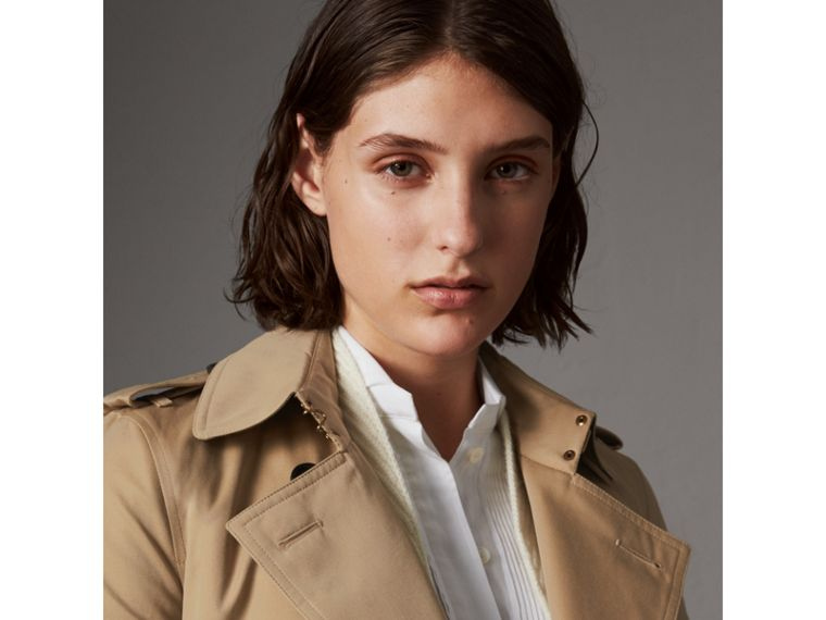 The Kensington – Short Trench Coat in Honey - Women | Burberry Singapore - cell image 4