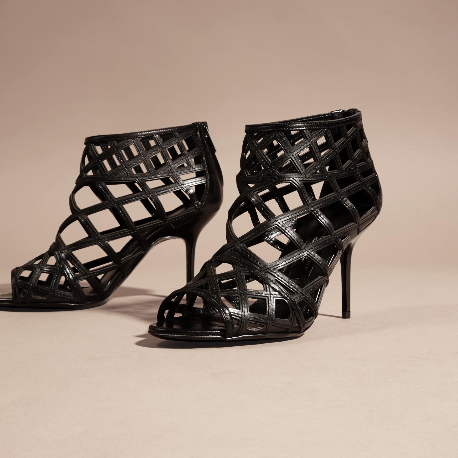 Schwarz Stiefeletten aus Leder mit Aussparungsdetail Schwarz - Galerie-Bild 3