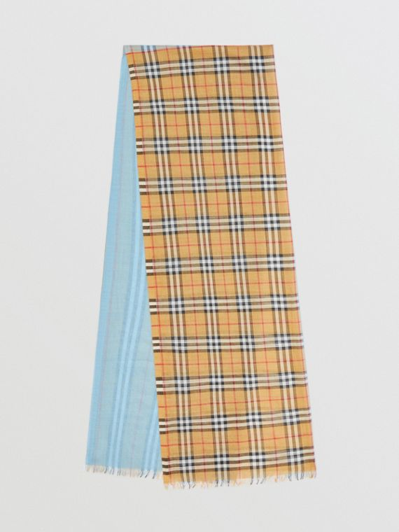 Colour-Blocking-Schal aus Wolle und Seide mit Vintage Check-Muster (Helles Carbonblau)