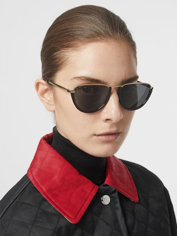 Half Moon Pilot Round Frame Sunglasses in Black - Women | Burberry Hong Kong - cell image 2