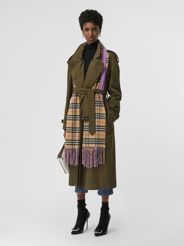Colour Block Vintage Check Cashmere Scarf in Bright Lilac | Burberry Canada - cell image 2
