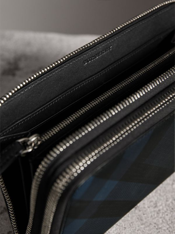 London Check Travel Wallet in Navy/black - Men | Burberry - cell image 3