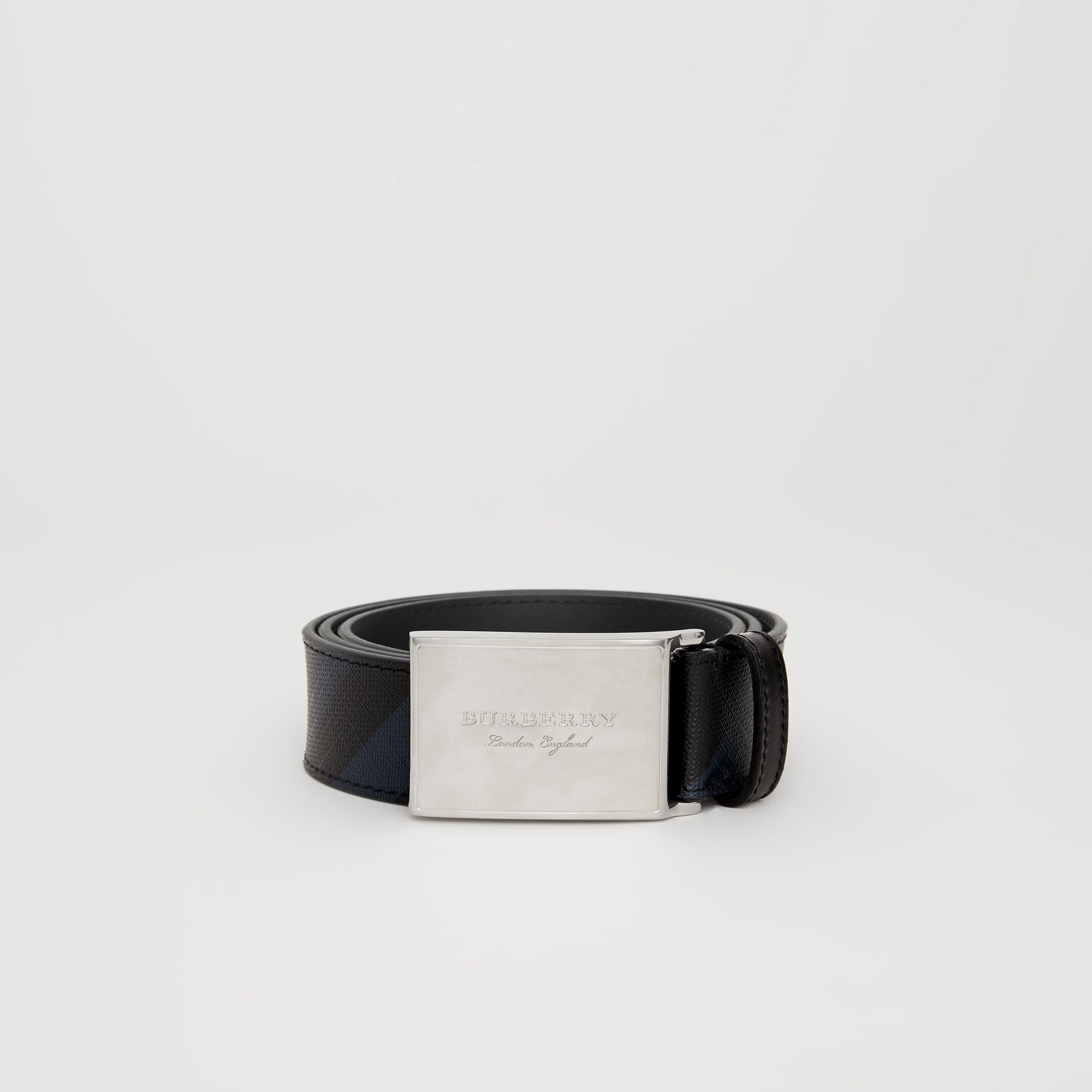 Plaque Buckle London Check and Leather Belt in Navy/black - Men | Burberry - gallery image 3
