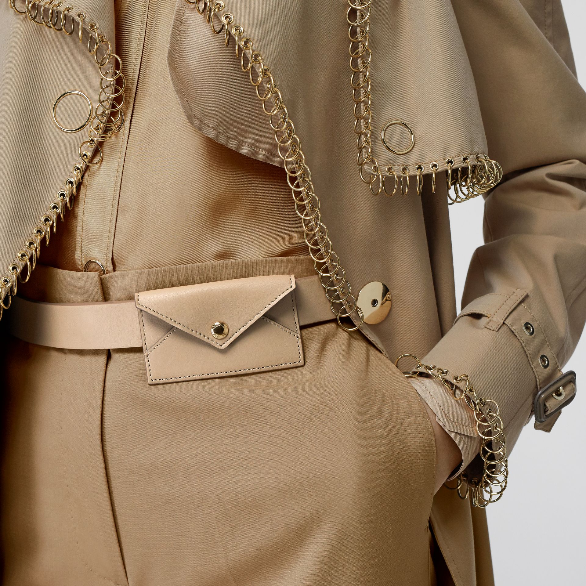 Envelope Detail Leather Belt in Latte - Women | Burberry Hong Kong S.A.R - gallery image 2