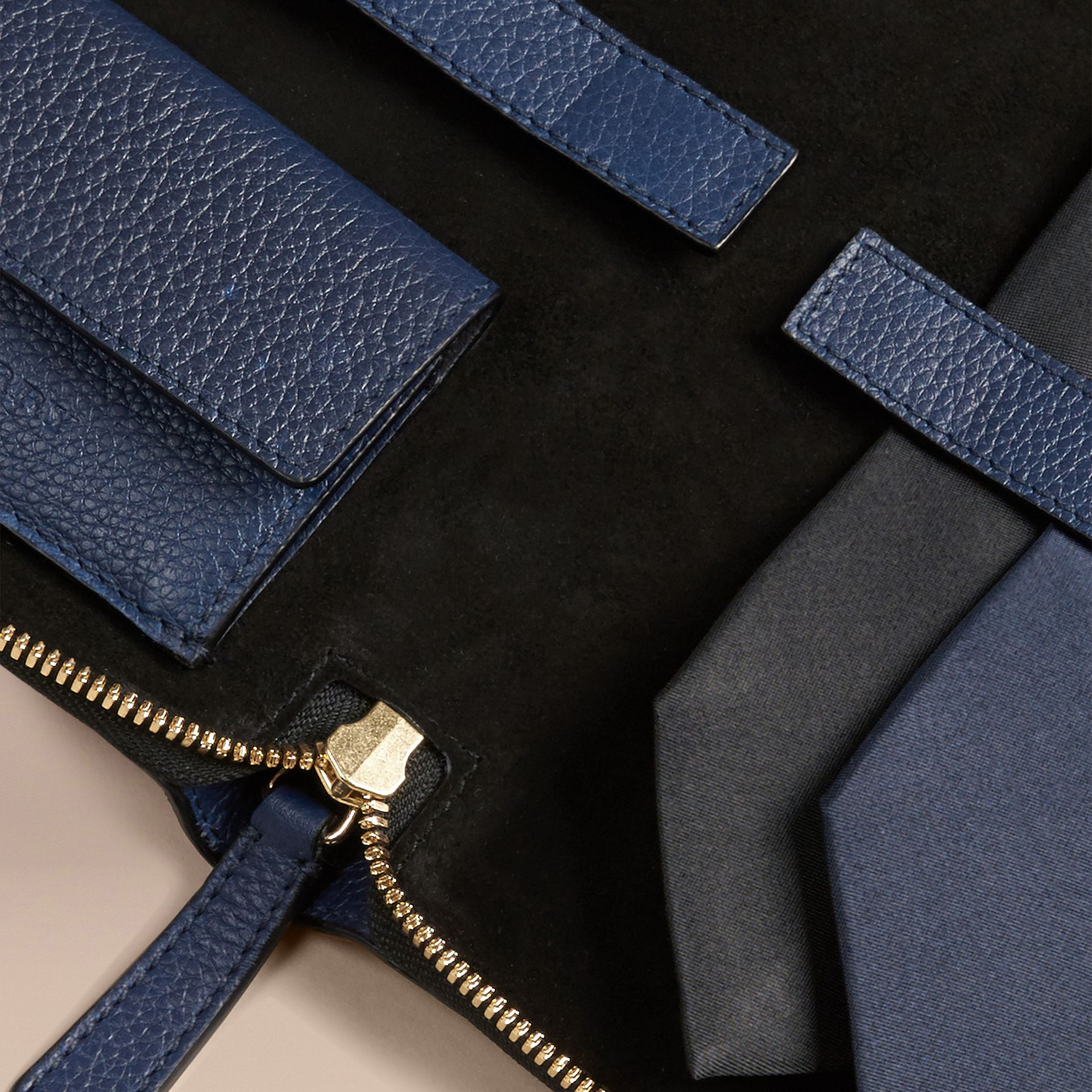 Bright navy Grainy Leather Tie Case Bright Navy - gallery image 3