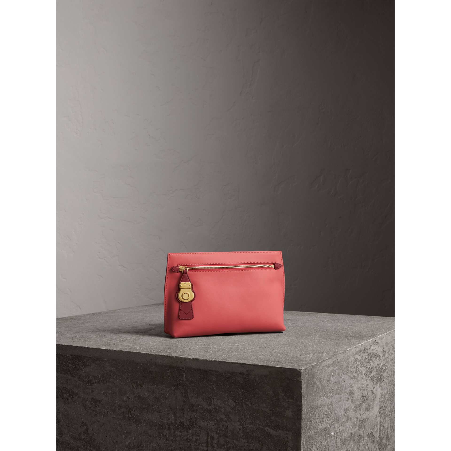 Two-tone Trench Leather Wristlet Pouch in Blossom Pink/antique Red - Women | Burberry - gallery image 7