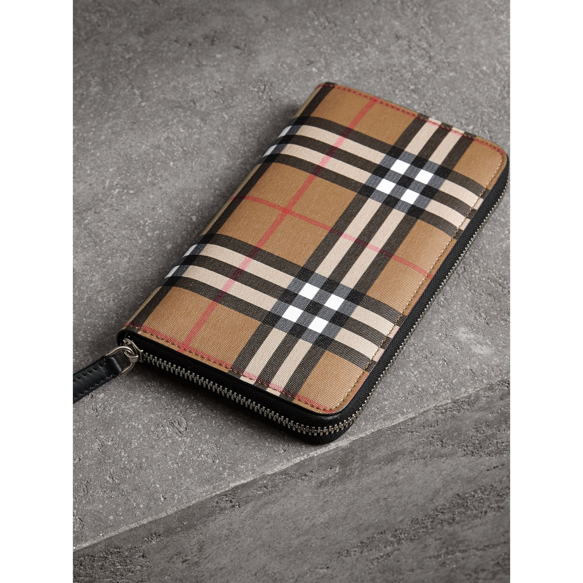 Vintage Check and Leather Ziparound Wallet in Antique Yellow/black - Men | Burberry Singapore - gallery image 2