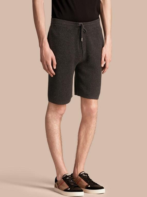 Pantalones cortos tejidos en cachemir