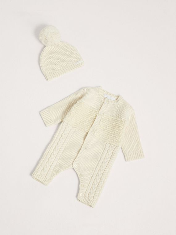 Wool Cashmere Two-piece Baby Gift Set in Natural White