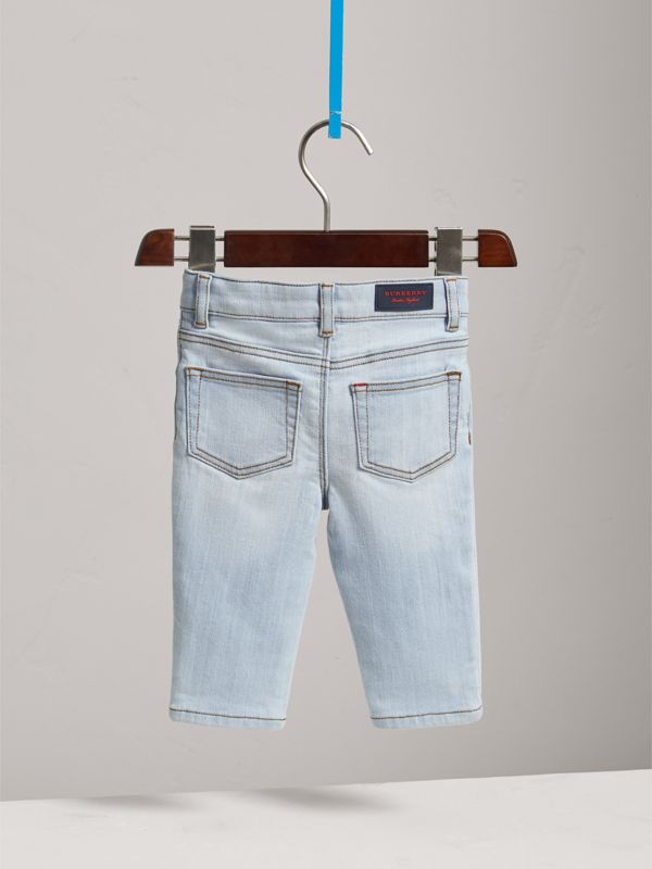 Jean skinny en denim extensible (Bleu Clair) - Enfant | Burberry - cell image 3