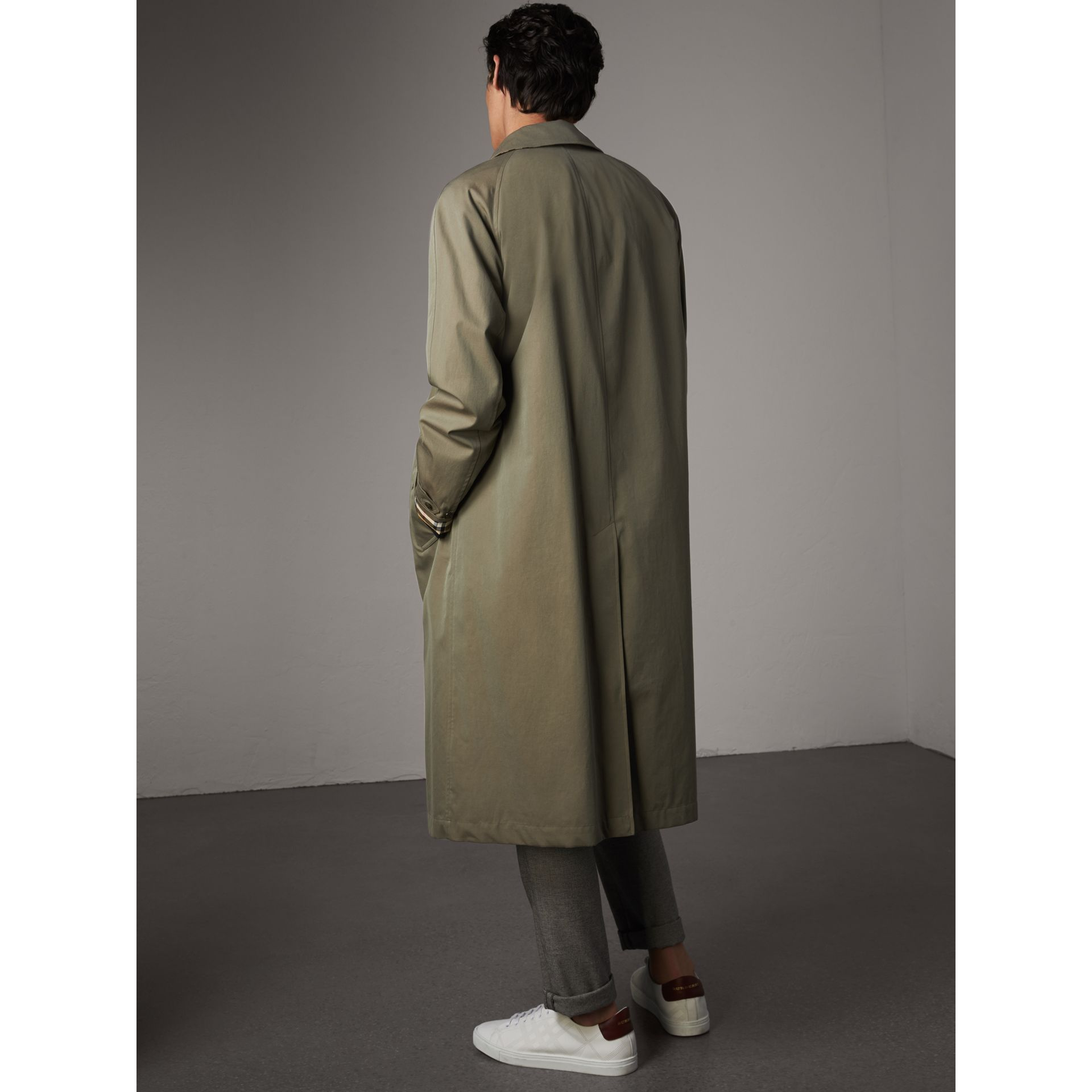 The Brighton – Extra-long Car Coat in Chalk Green - Men | Burberry Australia - gallery image 3