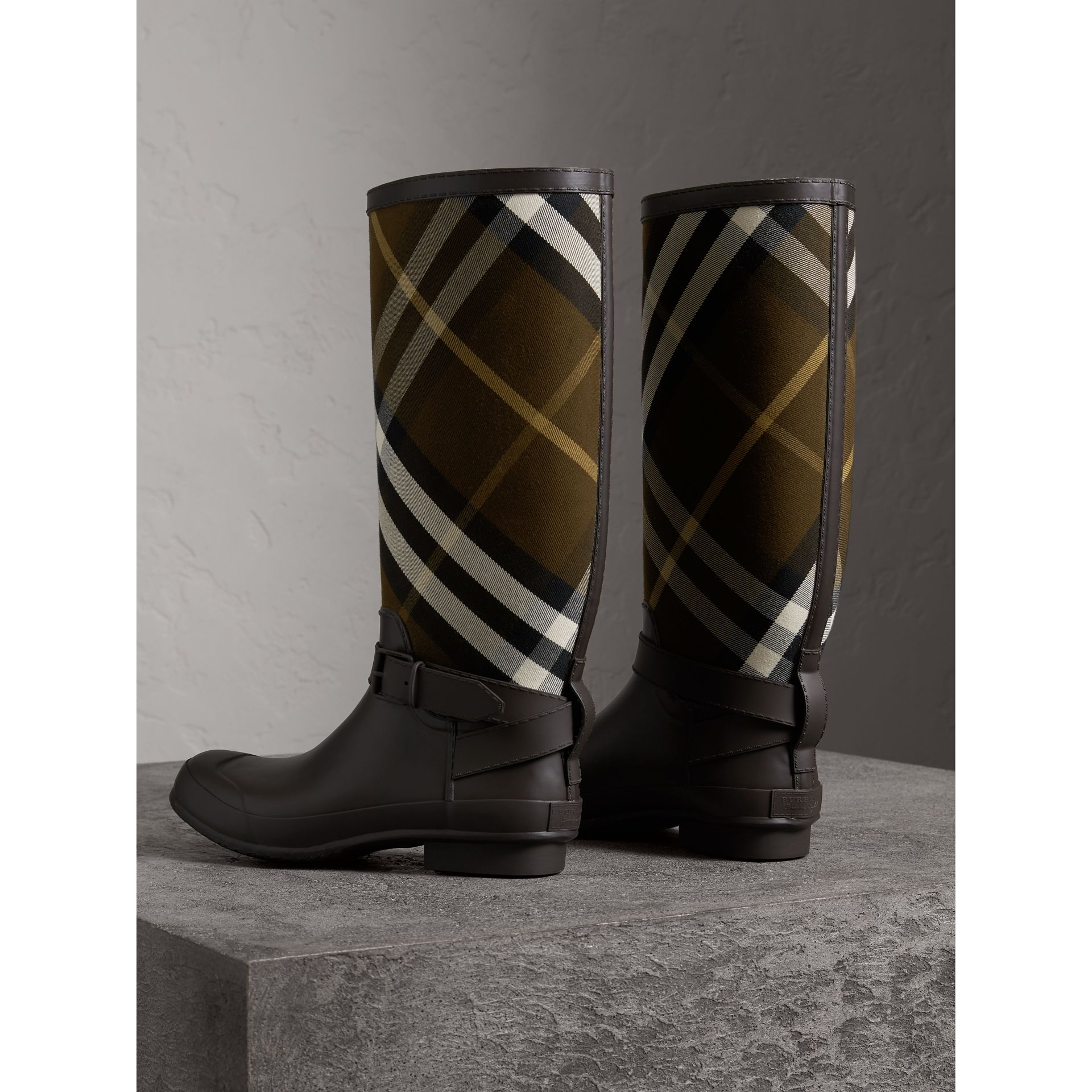 Belt Detail House Check and Rubber Rain Boots in Bitter Chocolate - Men | Burberry Australia - gallery image 2