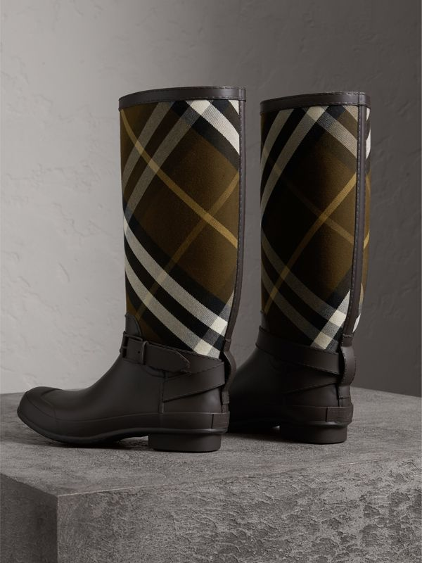 Belt Detail House Check and Rubber Rain Boots in Bitter Chocolate - Men | Burberry - cell image 2