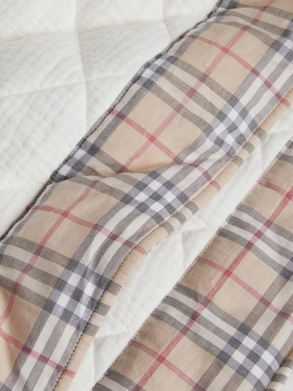 Diamond Quilted Vintage Check Cotton Baby Blanket in White - Children | Burberry United Kingdom - cell image 1
