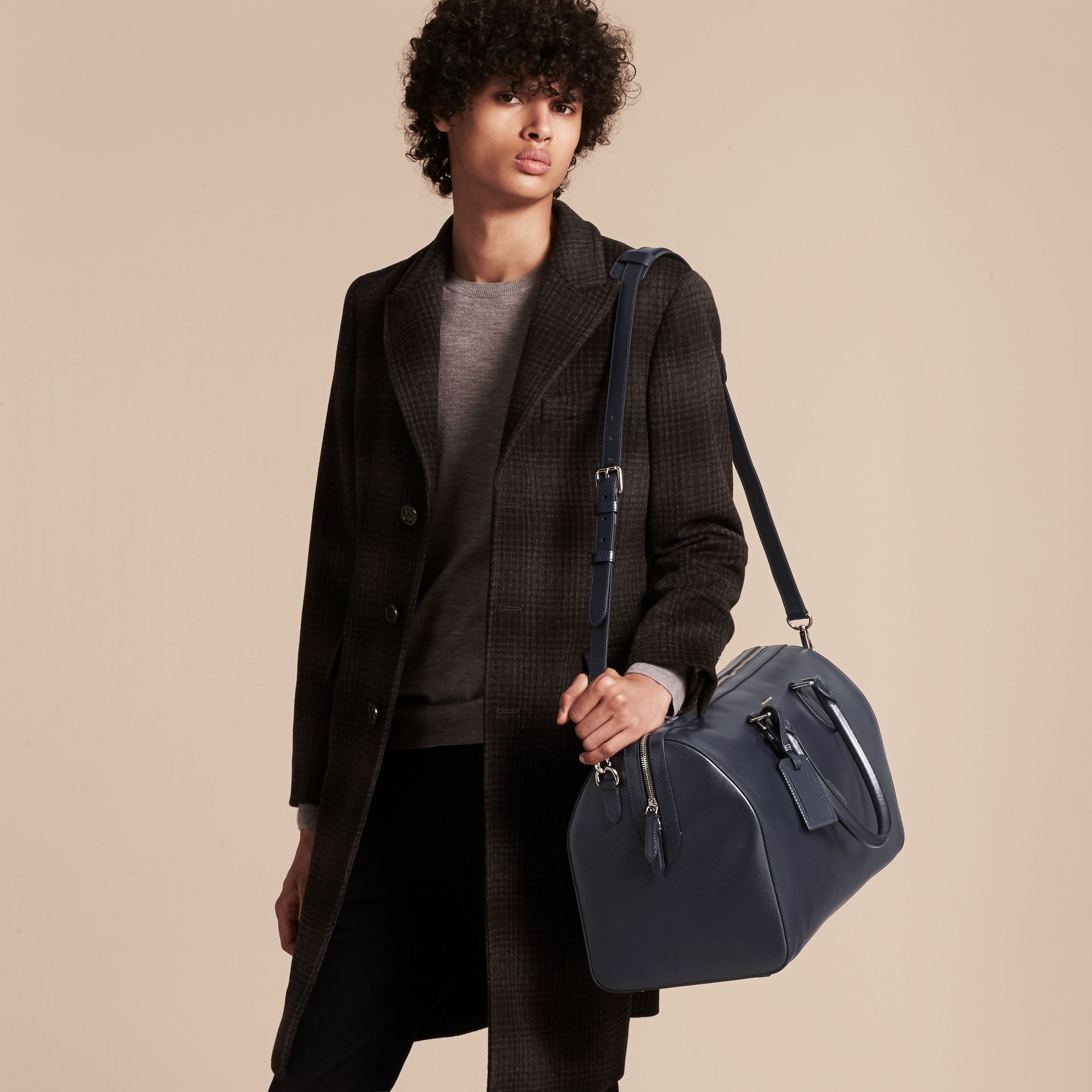 Dark navy London Leather Holdall Dark Navy - gallery image 4