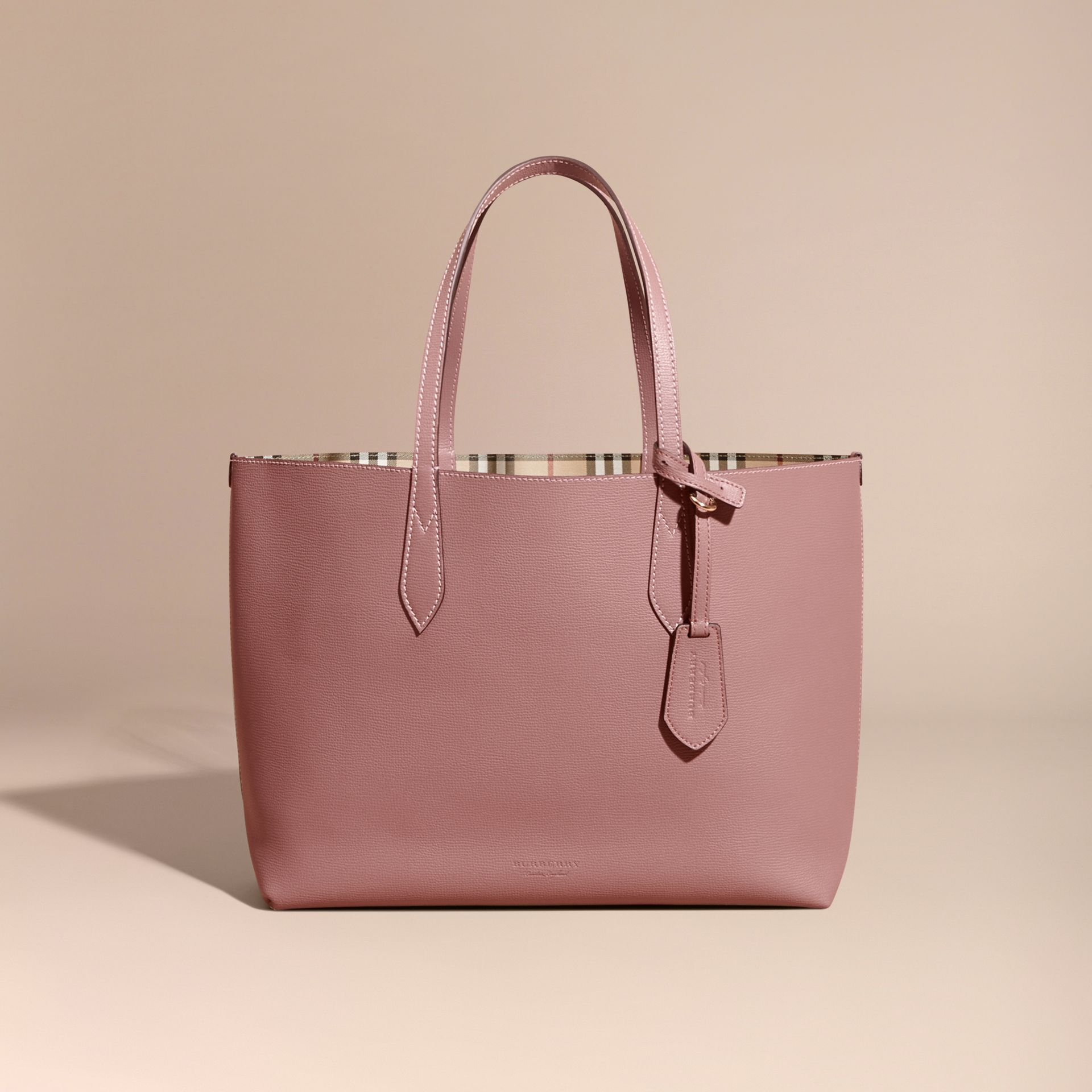 The Medium Reversible Tote in Haymarket Check and Leather in Light Elderberry - Women | Burberry Canada - gallery image 7