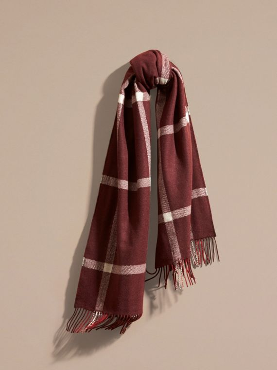 The Reversible Cashmere Scarf in Tartan Check Deep Red