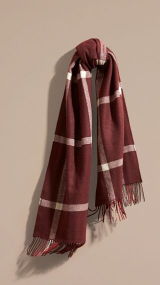 The Reversible Cashmere Scarf in Tartan Check