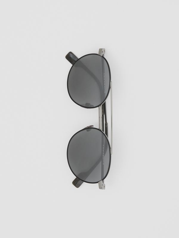 Top Bar Detail Round Frame Sunglasses in Gunmetal/dark Green - Men | Burberry - cell image 3