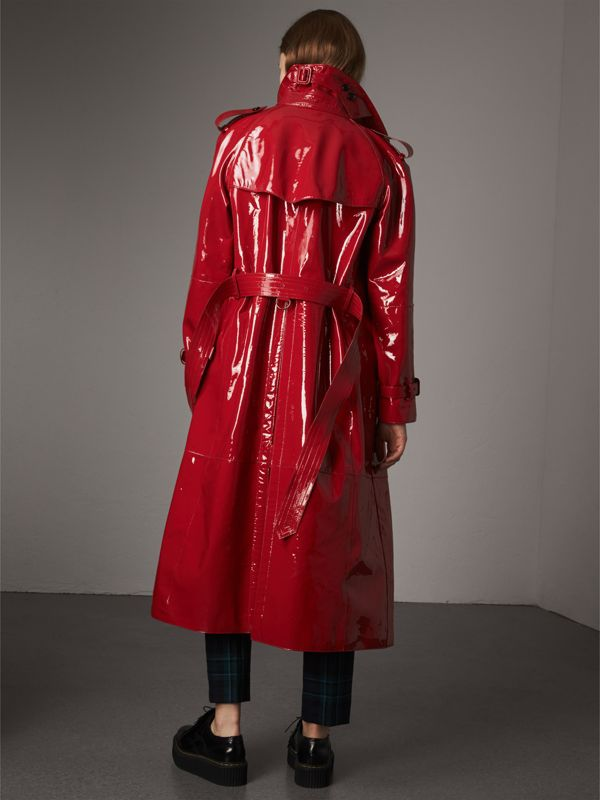 Raglan-sleeve Patent Lambskin Trench Coat in Parade Red - Women | Burberry United Kingdom - cell image 2