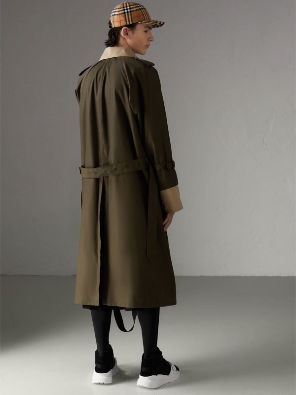 Trench coat in gabardine tropicale (Verde Cachi Scuro) | Burberry - cell image 2