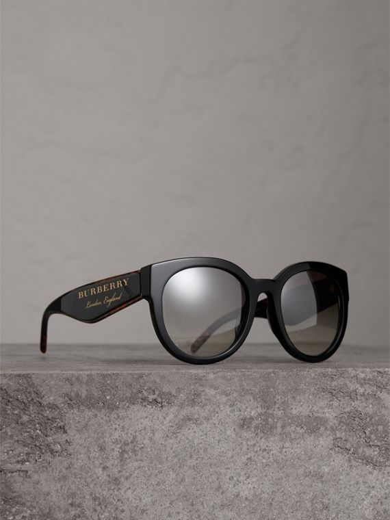 Round Frame Sunglasses in Black