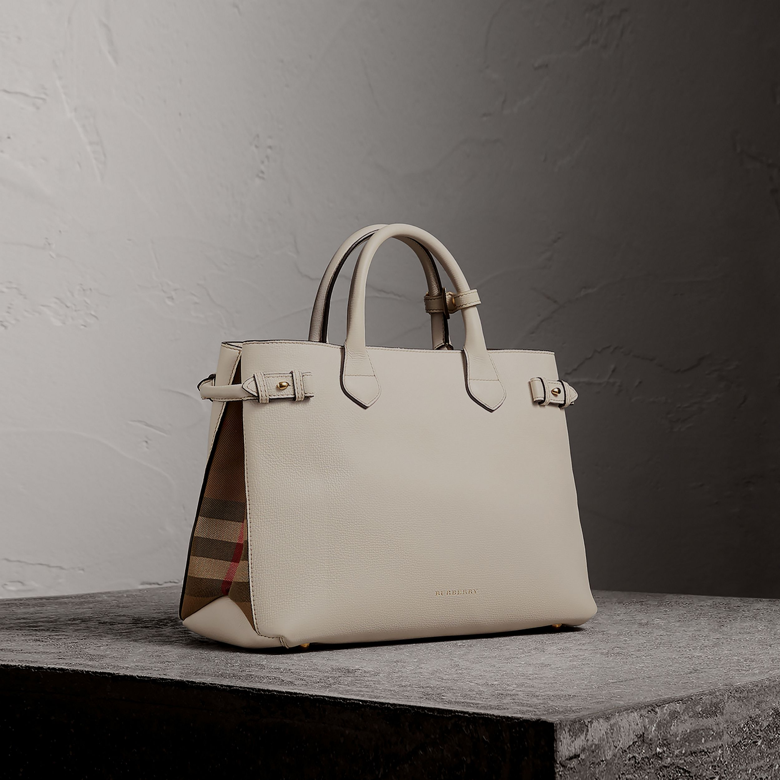 The Medium Banner in Leather and House Check in Natural - Women | Burberry - 1