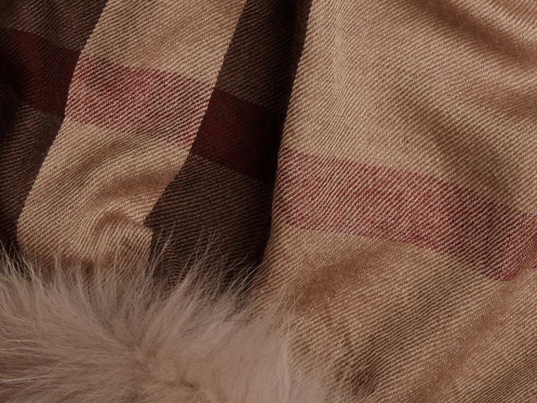 Smoked trench check Fur Trim Cashmere Check Scarf Smoked Trench - cell image 1