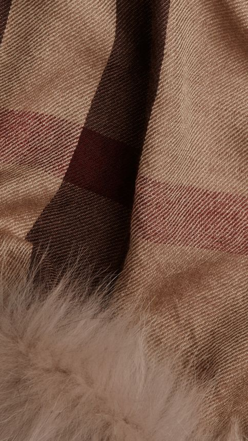 Smoked trench check Fur Trim Cashmere Check Scarf Smoked Trench - Image 2