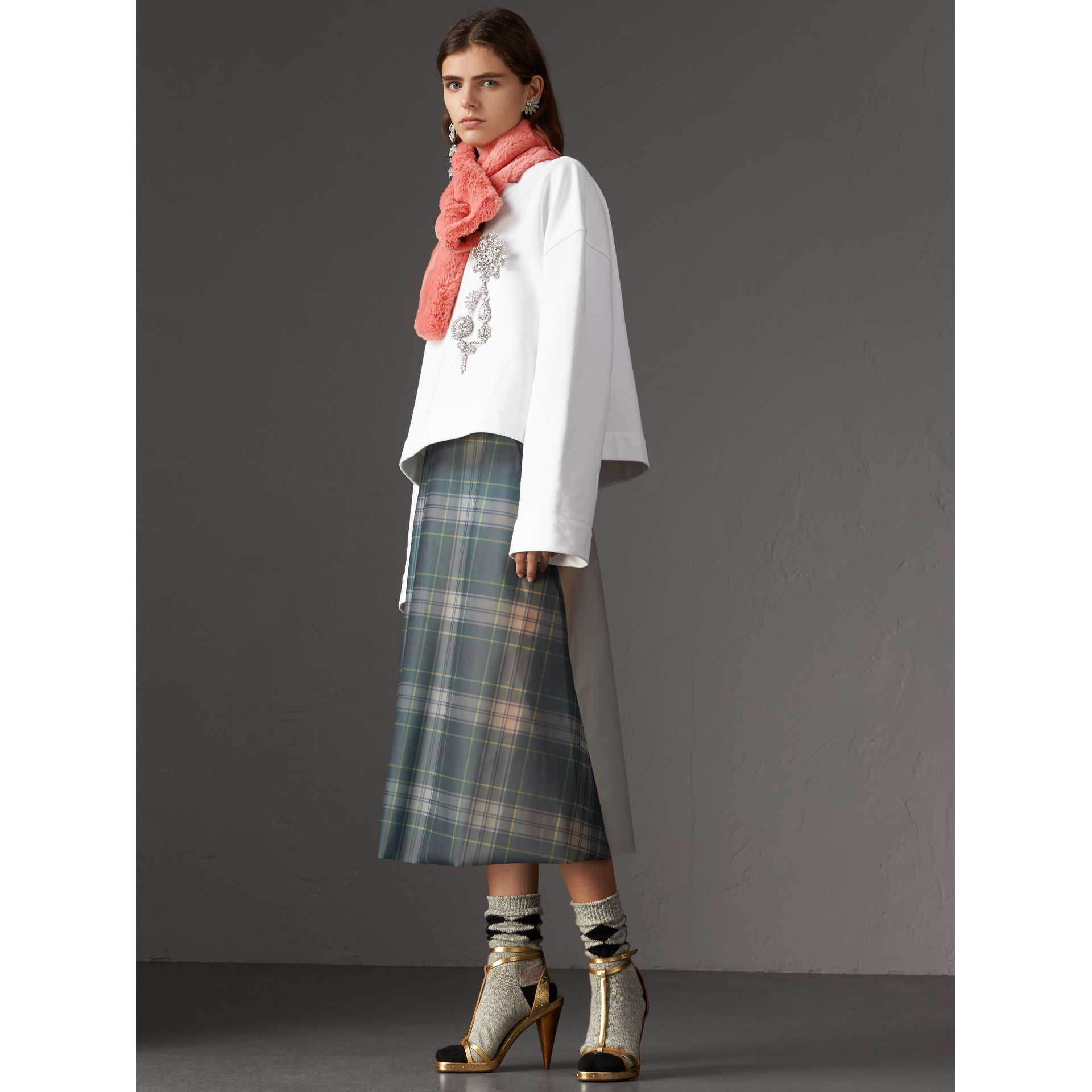 Vintage Check Cashmere And Faux Fur Scarf in Pale Pink | Burberry United Kingdom - gallery image 2