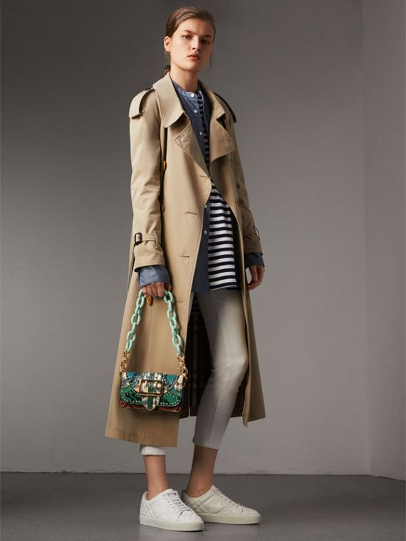 The Small Buckle Bag aus Natternleder mit Ziernieten und floralem Muster (Türkis) - Damen | Burberry - cell image 2