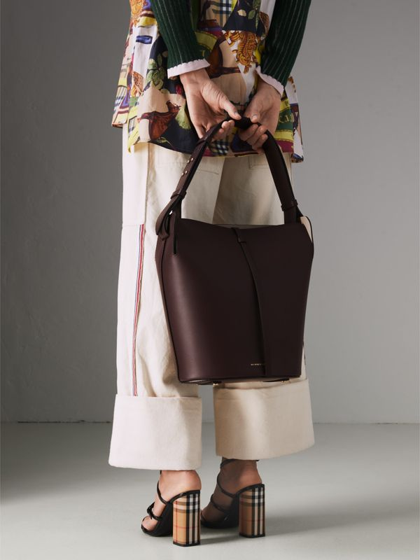 The Medium Leather Bucket Bag in Deep Claret - Women | Burberry Singapore - cell image 3