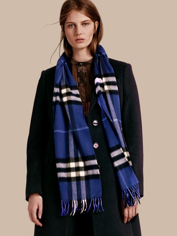 The Classic Cashmere Scarf in Check  in Bright Sapphire - cell image 2