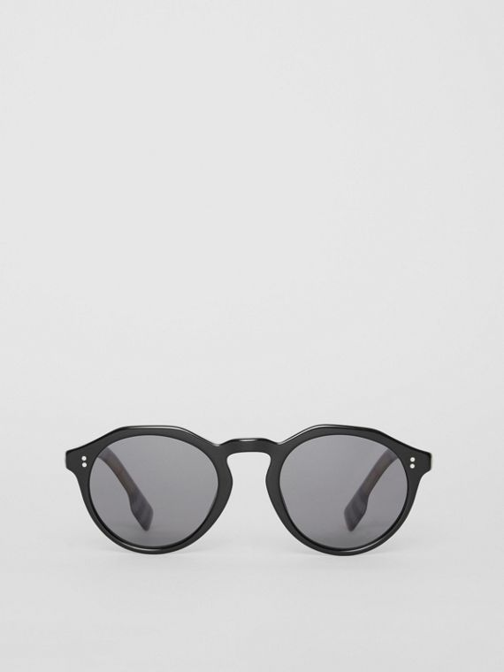 Vintage Check Detail Round Frame Sunglasses in Black