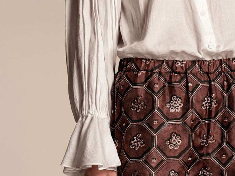 Geometric Wallpaper Print Silk Twill Cropped Pyjama-style Trousers Deep Claret - cell image 4