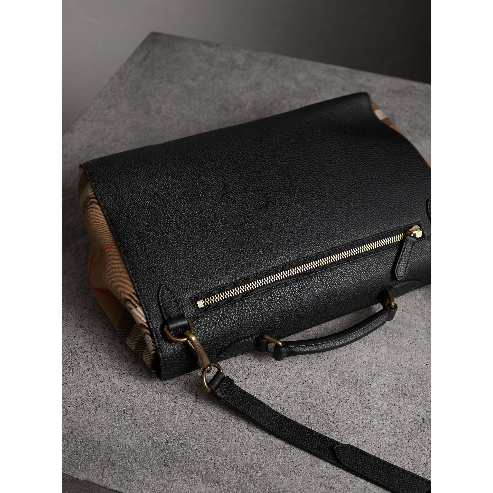 Sac cartable en cuir et coton House check (Noir) - Homme | Burberry - photo de la galerie 5